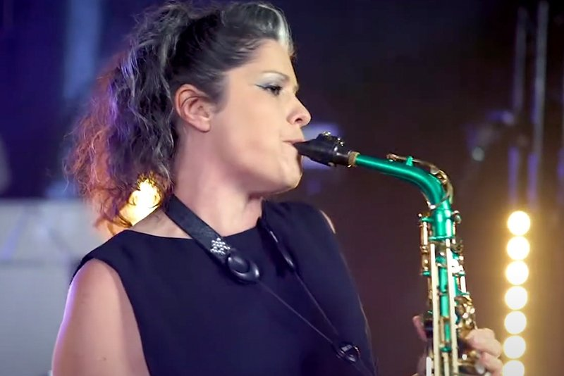 female saxophonist